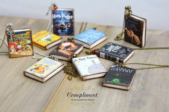 custom-book-jewelry